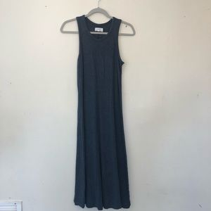 Lou & Grey maxi dress with center seam. Size M